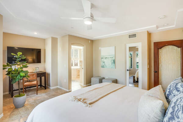 Master Bedroom w/ Cal King & En-Suite + WFH Space - 2nd Floor West