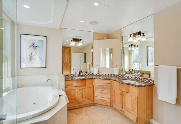 Master Bedroom En-Suite w/ Shower and Bathtub - 2nd Floor West