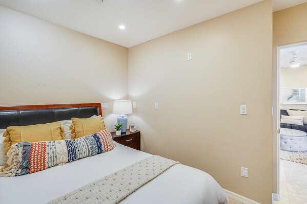 Guest Bedroom w/ Queen - 2nd Floor