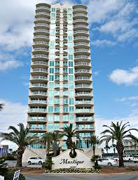 Front Picture of the Mustique Condominiums.