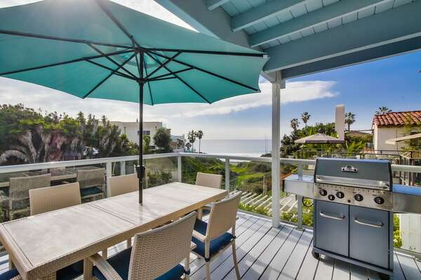 Second-floor Deck BBQ of this San Diego vacation home rental.
