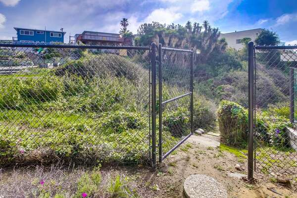 Direct access gate to Pacific Beach.