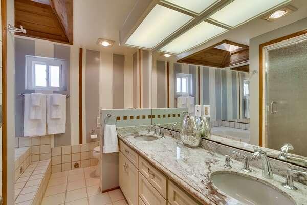 Second Floor-Suite Bathroom