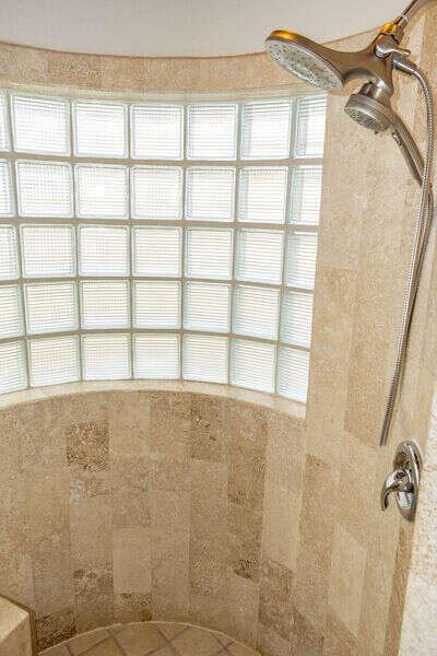 Deluxe rain shower