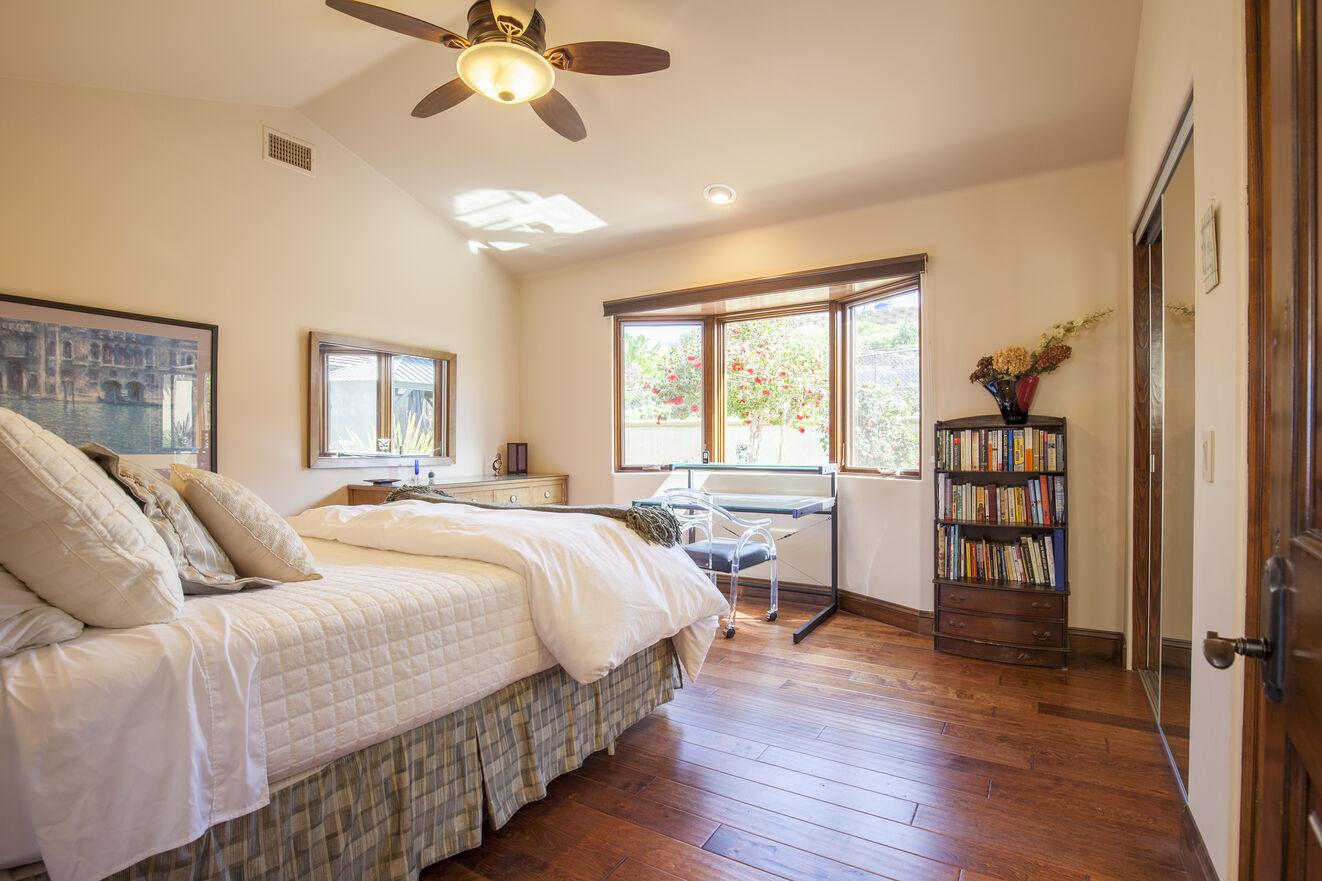 Second garden view bedroom