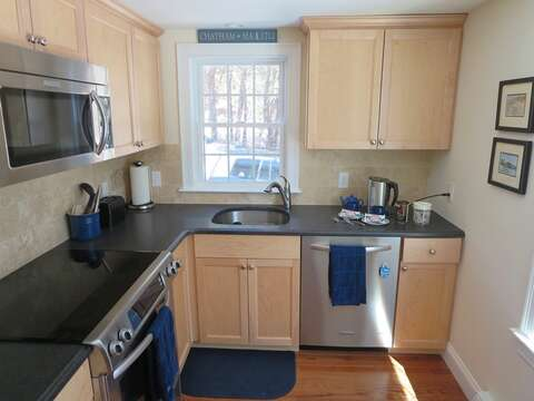 Fully equipped kitchen - 109 Misty Meadow Lane #1 Chatham Cape Cod New England Vacation Rentals