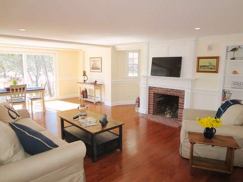 Open living area with flat screen TV and WIFI - 109 Misty Meadow Lane #1 Chatham Cape Cod New England Vacation Rentals