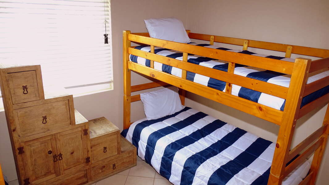 Two Twin Bunk Beds sleeps four