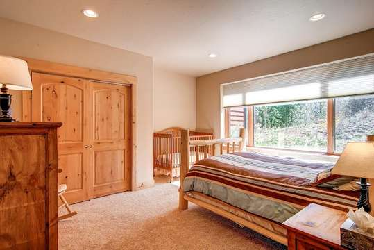 Bedroom 3, Queen Bed and toddler bed