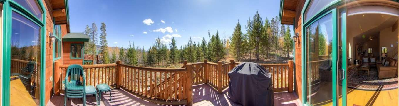 Deck with grill panorama