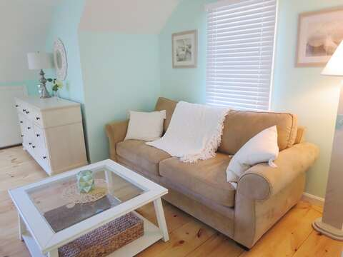 Sitting area in upstairs bedroom - 93 Pine Ridge Road Chatham Cape Cod New England Vacation Rentals