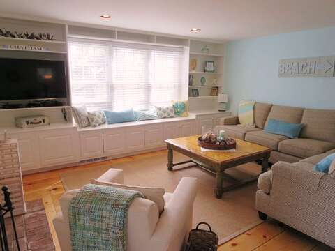Living with Flat Screen TV and WIFI - window seat - 93 Pine Ridge Road Chatham Cape Cod New England Vacation Rentals