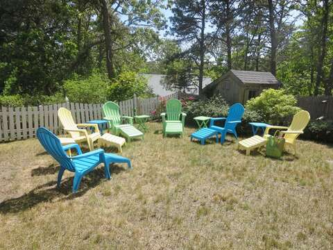 Plenty of outdoor seating in the back yard. - 93 Pine Ridge Road Chatham Cape Cod New England Vacation Rentals