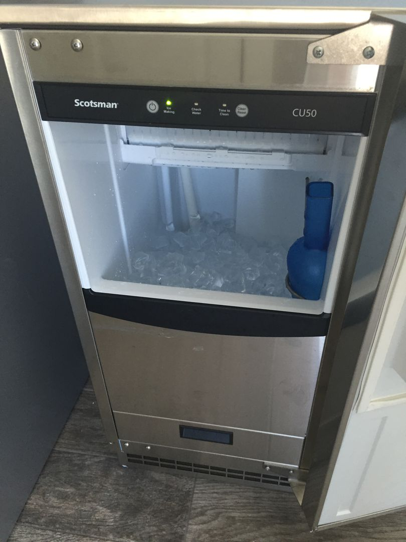 Ice Maker Is Great for Making Drinks