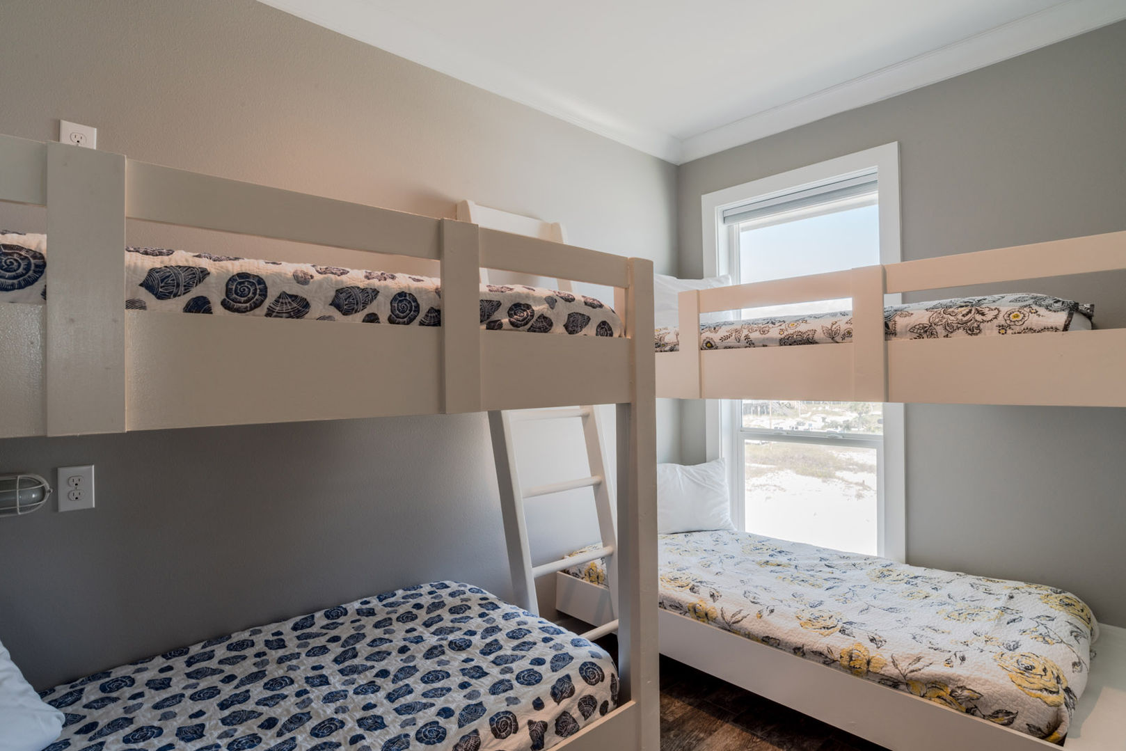 Bunk Room with 2 Twin Bunks