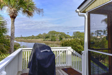 A gas grill comes with this Tarpon Pond Cottage