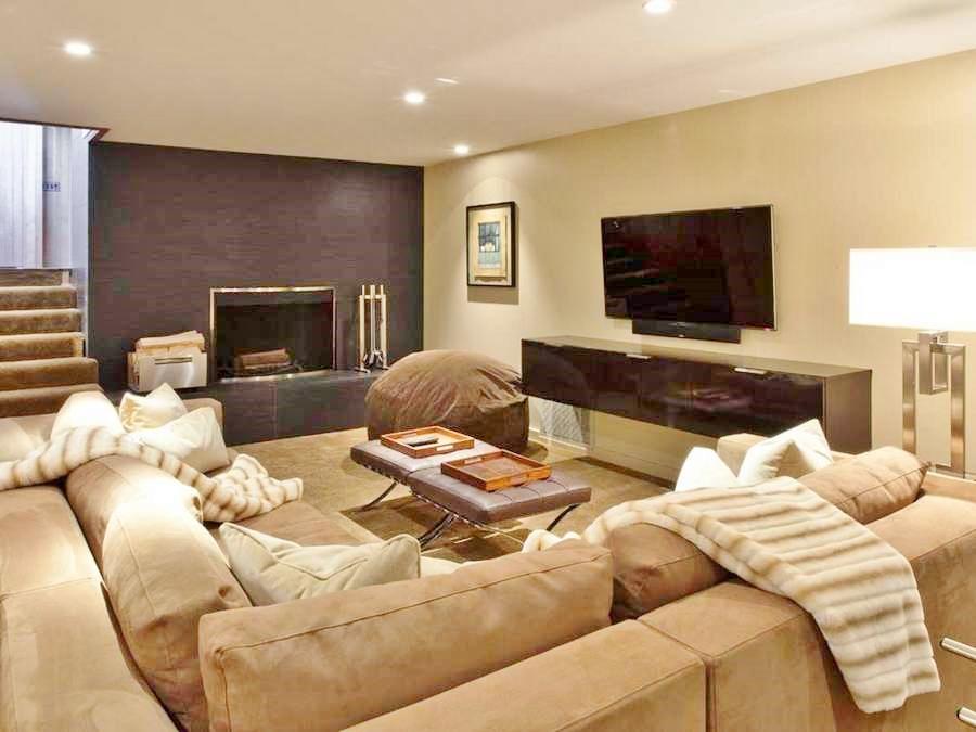 Family/Entertainment Room