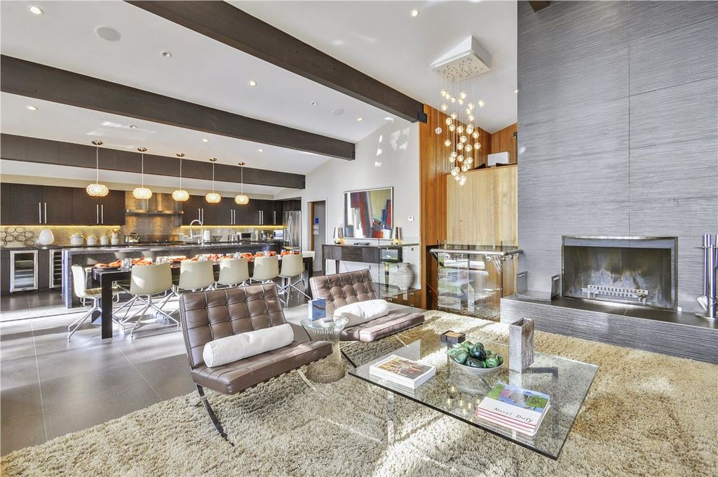 Fireplace/great room