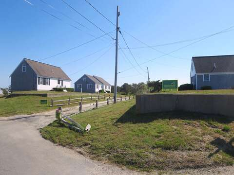 Looking to have a family reunion? Rent all 3 sister houses together! 46, 47, and 53 Little Beach Road  Chatham, Cape Cod  6 bedrooms, 4 bathrooms Will sleep 12! - 53 Little Beach Road Chatham Cape Cod New England Vacation Rentals