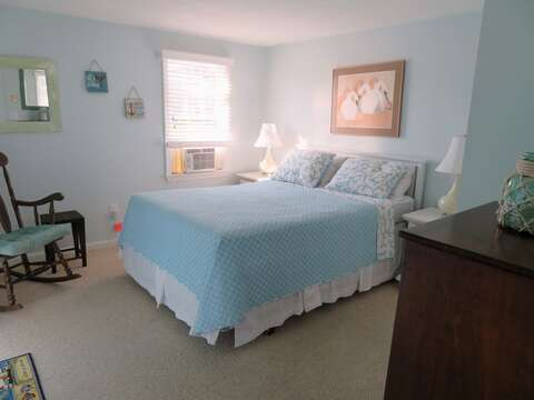 Queen bed - 46 Little Beach Road Chatham Cape Cod New England Vacation Rentals