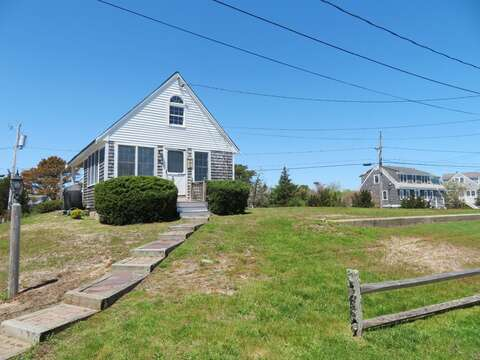 Come stay at The Cozy Beach Cottage - 46 Little Beach Road Chatham Cape Cod New England Vacation Rentals