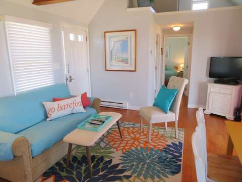 Flat Screen TV and WIFI -Plus a pullout couch- 47 Little Beach Road Chatham Cape Cod New England Vacation Rentals