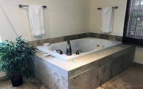 Upper level en suite bathroom with Jacuzzi tub