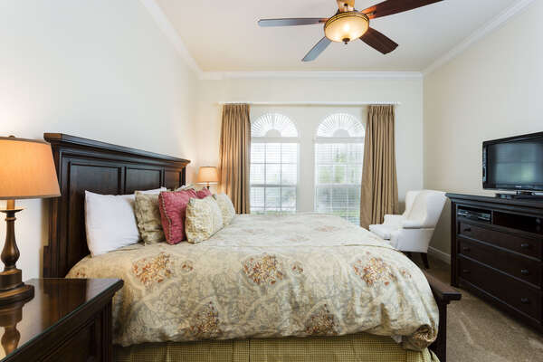 Luxurious king size bed in master bedroom