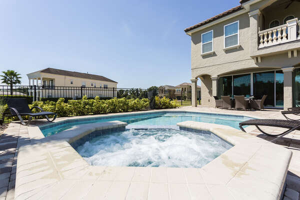 Oversized pool and spillover spa
