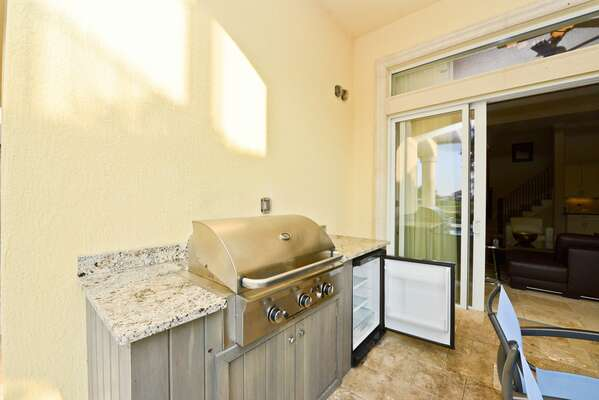 Outdoor kitchen with gas BBQ grill