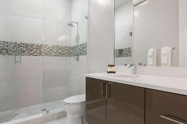 Ensuite bathroom to suite 8