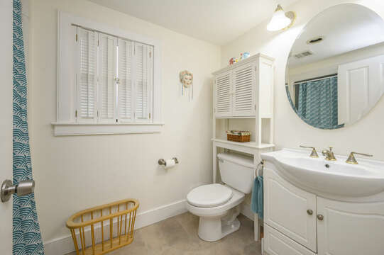 Bath #2 Full bath with Shower/ tub combo off kitchen-21 Beechwood Road Centerville Cape Cod New England Vacation Rentals