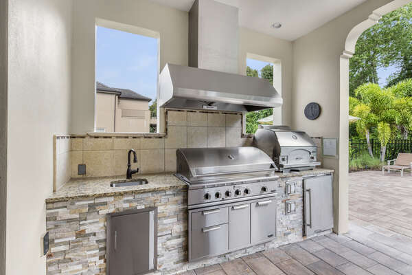 The summer kitchen even has a pizza oven so you can make your own pizza together on your vacation