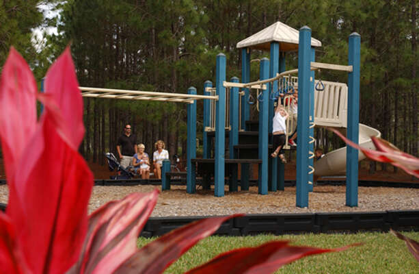 On-site facilities: Children's play area.