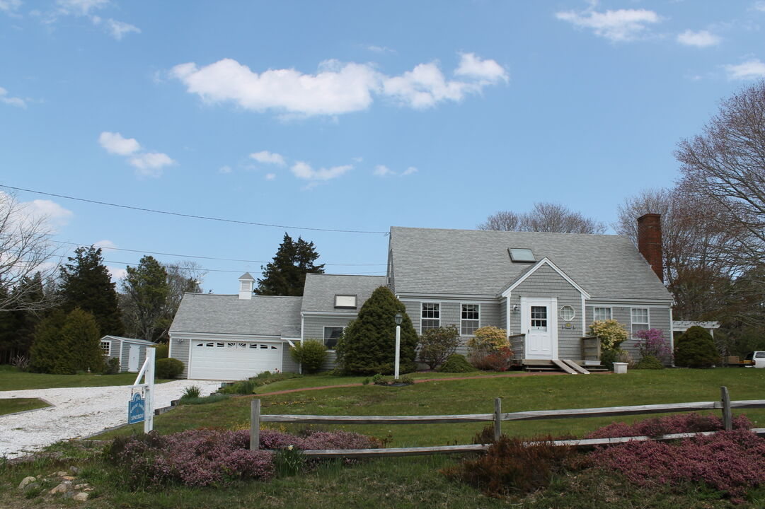 Pretty Picky Properties 750 E In Eastham Near Coast Guard Beach Pretty Picky Home Rentals