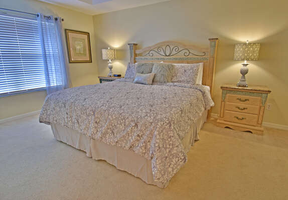 Master bedroom with king bed (upstairs)