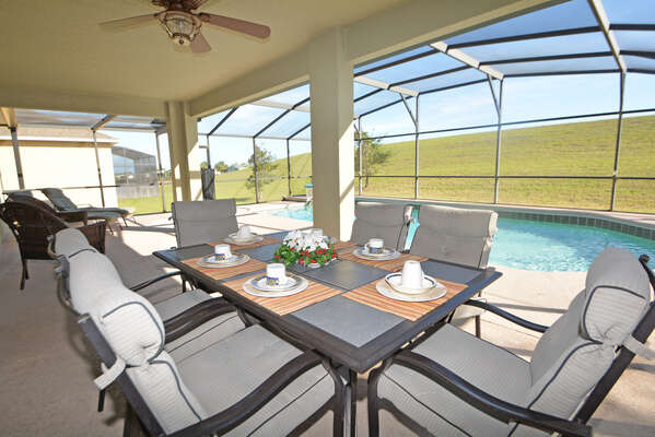 Patio table seating 6, ceiling fan w/light