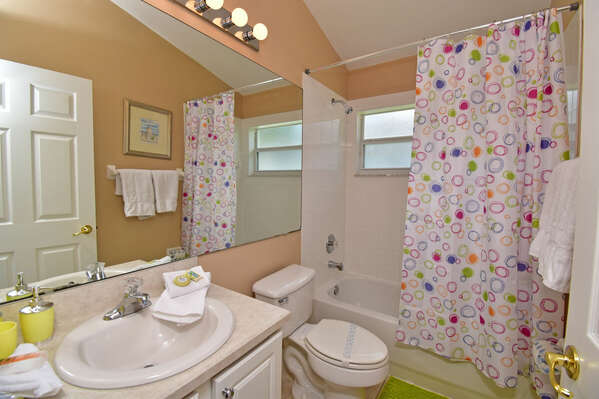 Family bathroom for bedrooms 4 & 5