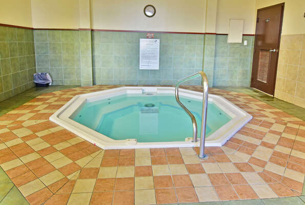 On-site facilities:- Indoor jacuzzi