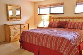 King Master Suite - Upstairs