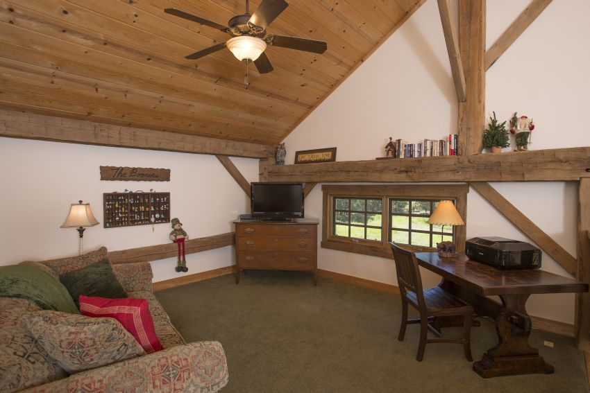 Loft area with pull out