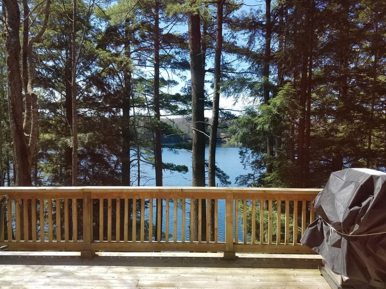 Town Lake Lodge-Pictured Rocks