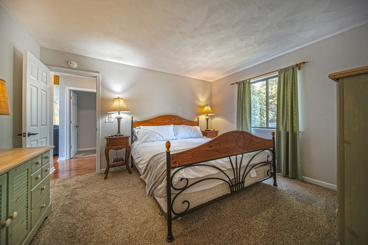 Bedroom with Queen Bed and two Nightstands