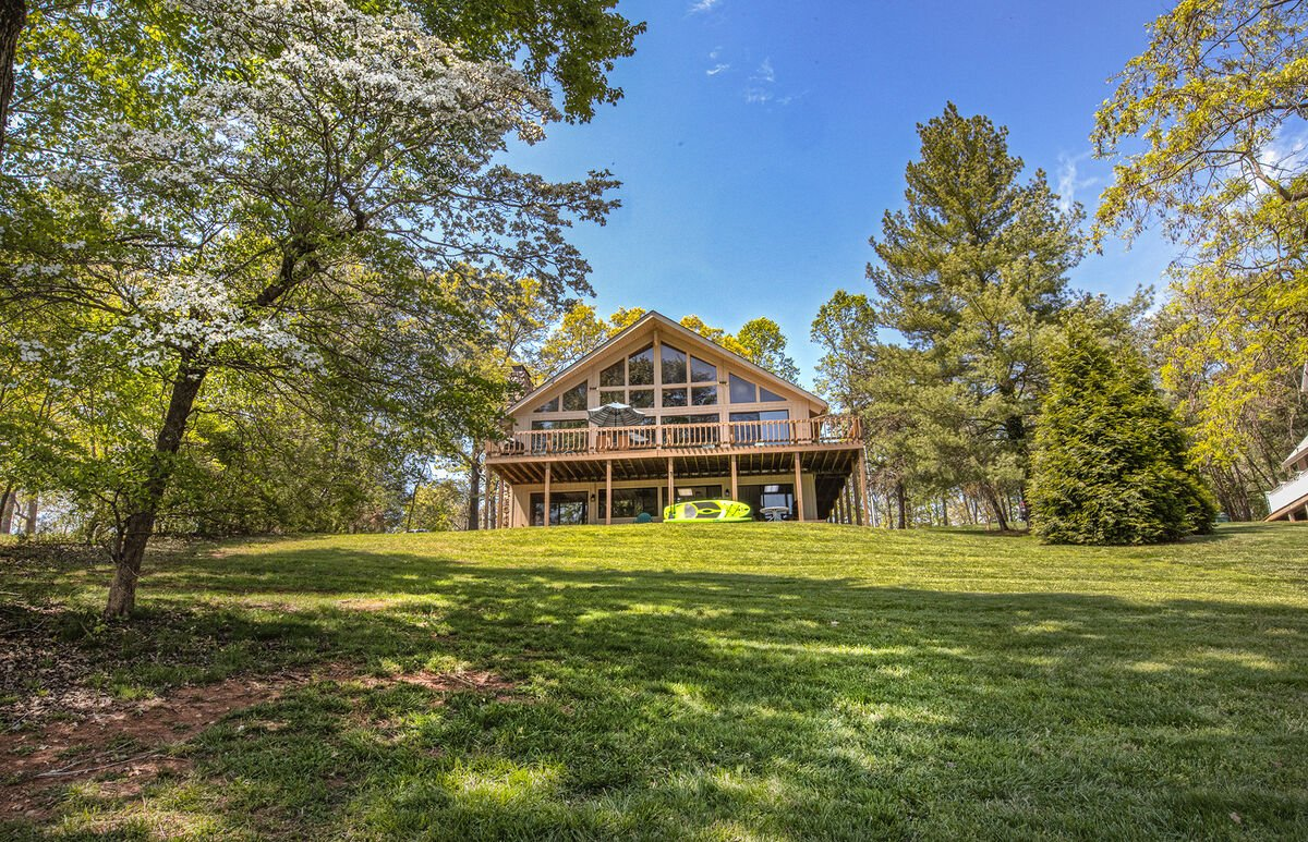 Exterior View of the Smith Mountain Lake State Park Cabin Rental