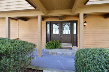 Front Door of Cabin for Rent at Smith Mountain Lake VA.