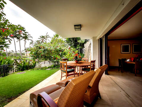 Lanai with seating and loungers