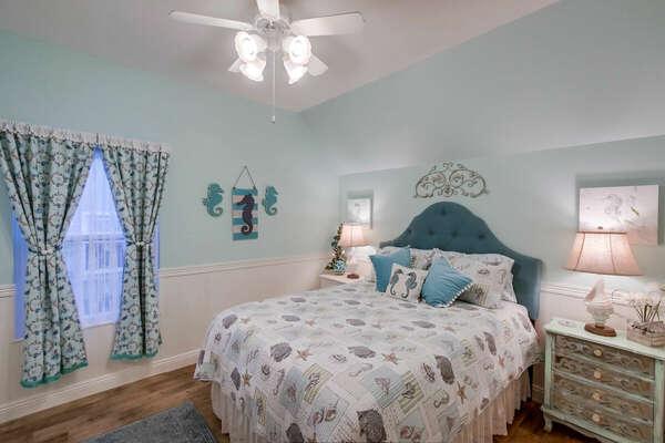 Guest Room, Queen - Second Floor