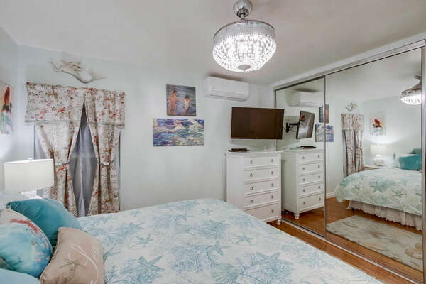 Master Bedroom, King - First Floor