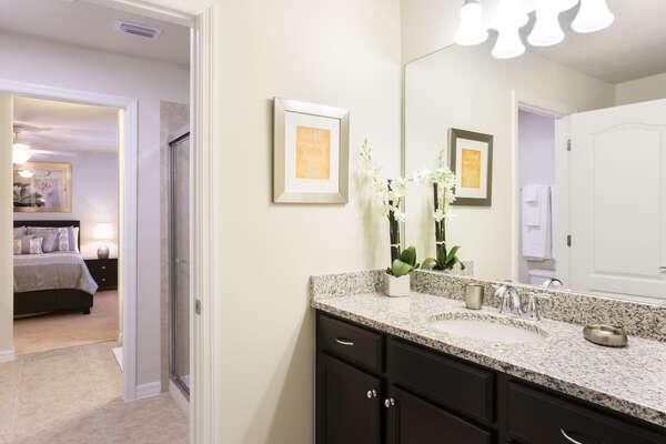 En suite Jack and Jill bathroom