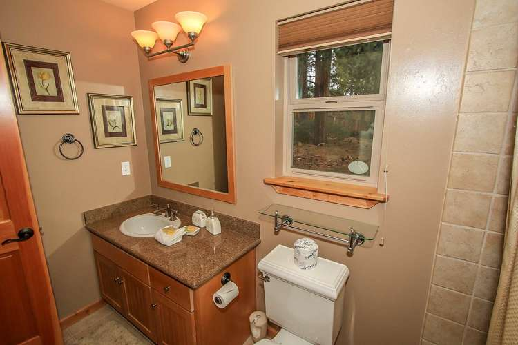Bedroom 2- Master Bedroom Private Bathroom